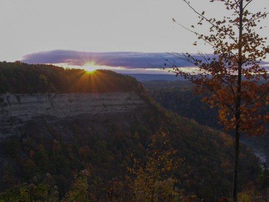 Sunrise over Letchworth park picture